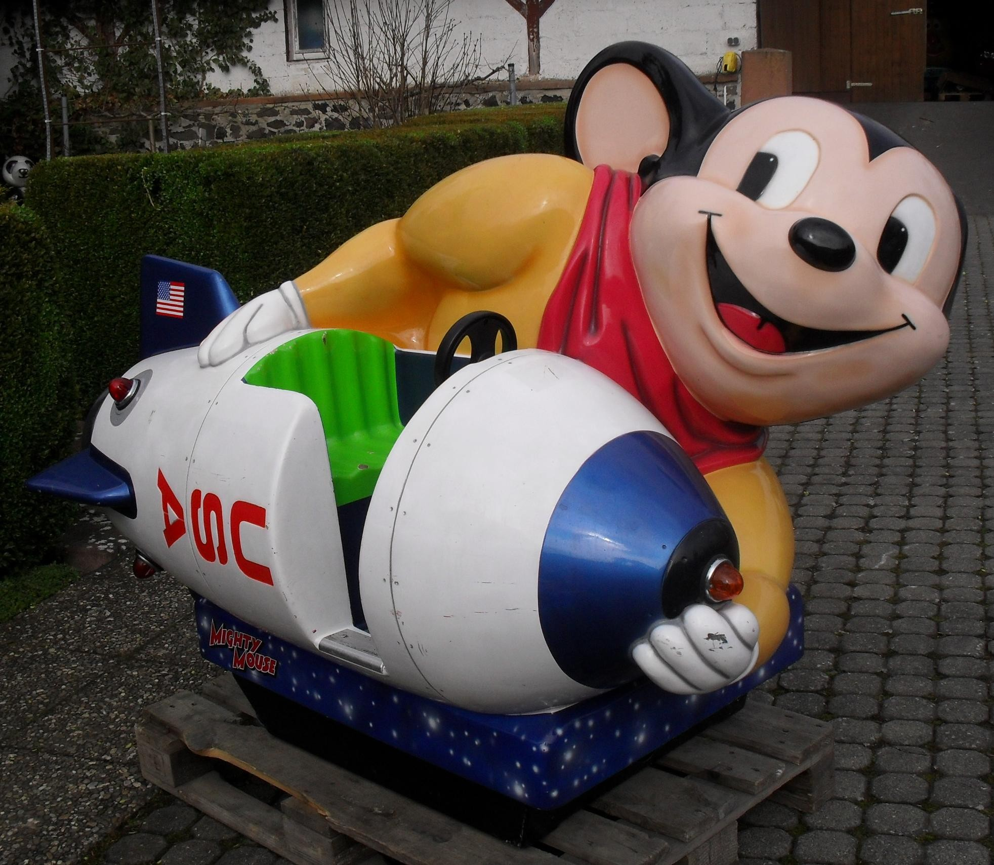 Mighty Maus mit Rakete