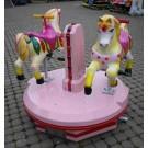Pretty in Pink Karussell mit zwei niedlichen Pferden