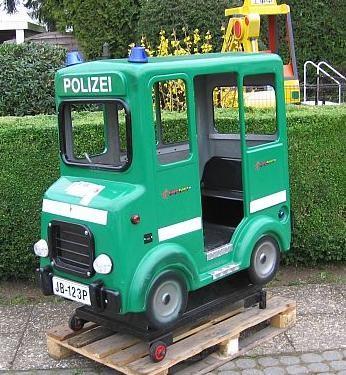 3-sitziger Polizeibus, ein Klassiker