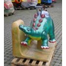 Dino mit Barney auf Traktor
