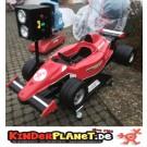 Roter Rennwagen Racer  mit Ampel
